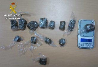 La Guardia Civil de Toledo detiene una persona en Recas por un delito de tráfico de drogas