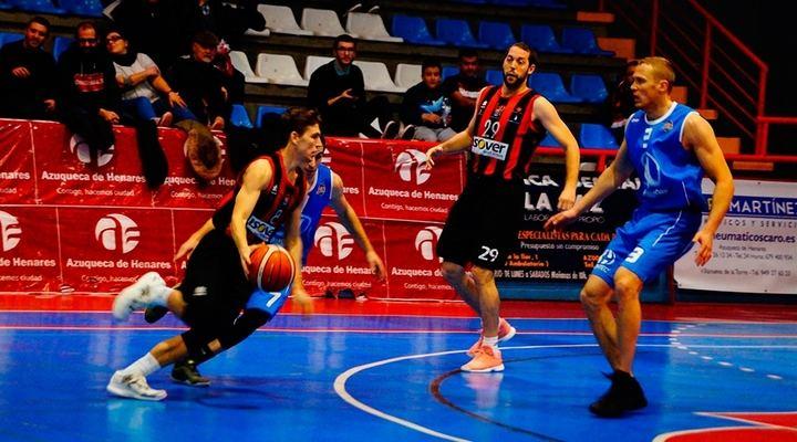 La constancia del equipo, clave en la primera victoria del Isover Basket Azuqueca 19-20