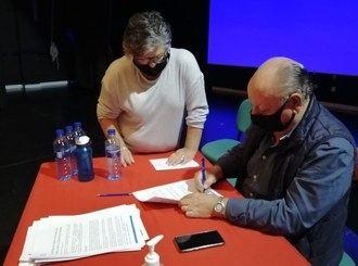 El Ayuntamiento de Horche y el Observatorio Para una Cultura del Territorio firman el convenio para el proyecto 'Los amigos de la Huerta'