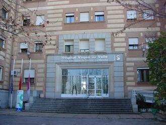 La madre de Emiliano García-Page ingresa en el Hospital del Valle de Toledo tras dar positivo en COVID-19