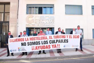 Los hosteleros se concentran para apoyar al sector del Turimso y Ocio Nocturno de la provincia de Guadalajara