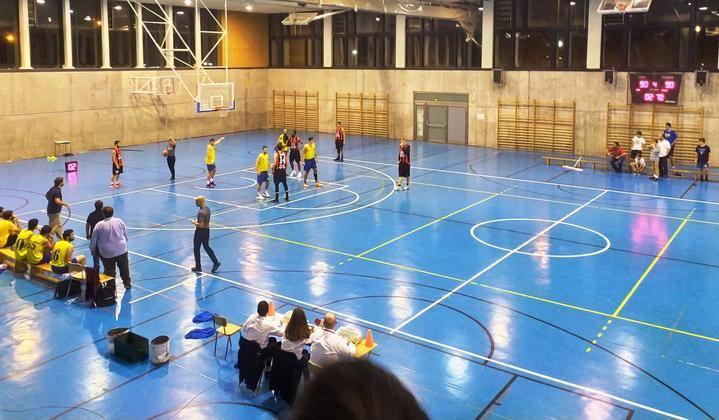 El Isover Basket Azuqueca con tan solo seis jugadores de campo disponibles tuvo opciones de victoria hasta el último segundo