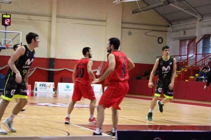 Al Isover Basket Azuqueca le faltaron las fuerzas para rematar un buen partido ante el filial del Estufidantes ACB