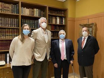 La nueva Junta Directiva del Colegio de Médicos de Guadalajara, encabezada por Javier Balaguer, toma posesión de sus cargos