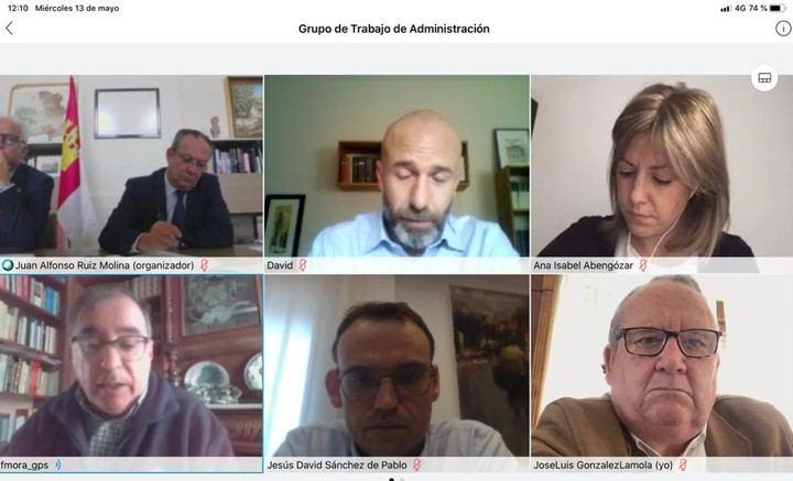 """Recriminan a Page su estrategia """"de ocultar datos"""" a la oposición y a la población de Castilla La Mancha"""