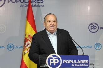 """Lamola lamenta que Page prefiera irse de vacaciones """"antes que solucionar los problemas que preocupan a los castellanos manchegos"""""""