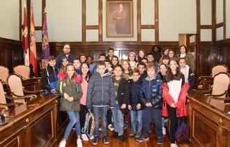 Un grupo de alumnos del CEIP La Espiga de Azuqueca visitan el Palacio Provincial
