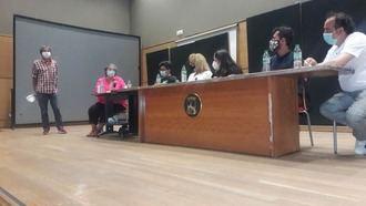 Sindicatos, asociaciones y colectivos convocados por PODEMOS reivindican más derechos LGTBI en Guadalajara