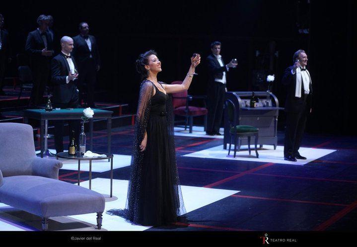 """Lisette Oropesa, primera mujer que hace un """"bis"""" en el Teatro Real de Madrid con """"La Traviata"""""""