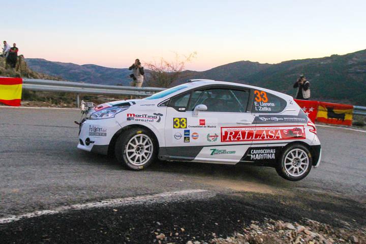 Efrén Llarena e Igor Zatika lideraban la Categoría  Junior y eran segundos entre los vehículos R2 en su debut con el Peugeot 208 R2 hasta su abandono.