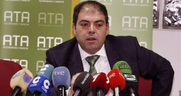 """Enfado e indignación de los autónomos con las medidas de Pedro Sánchez por el coronavirus: """"El Gobierno nos deja en la cuneta, no tiene ni idea de lo que necesitamos"""""""