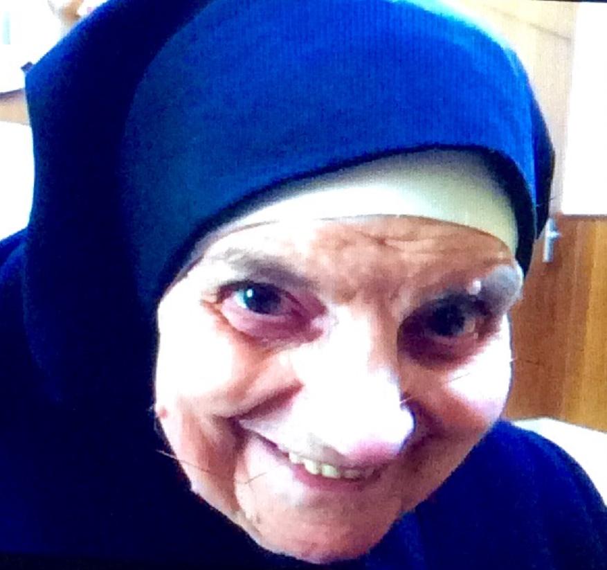 La Madre Milagros Batanero Sastre, religiosa ursulina, ha cumplido cien años