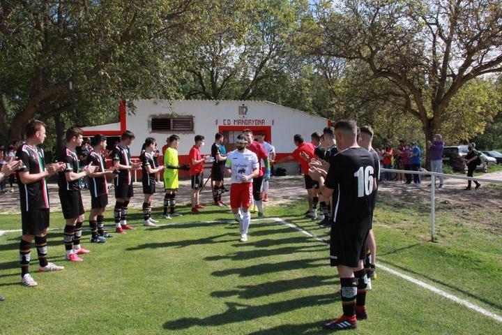 Mandayona celebra su campeonato de liga ante su afición