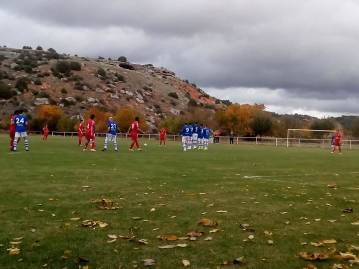 Mandayona golea al CD Optense en Los Tobares (5-3)