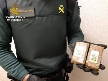 La Guardia Civil detiene en Maranchón a una persona por tráfico de droga que introducía el hachís en Molina de Aragón