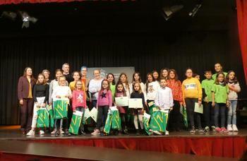 Más de 1.200 escolares participan en el Concurso de Marcapáginas Solidario de la Biblioteca de Alovera