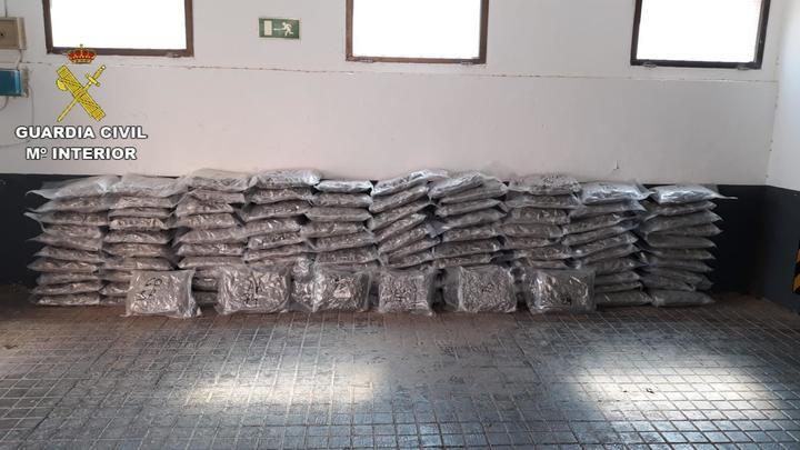 La Guardia Civil de Ciudad Real incauta 121 kilos de marihuana en un control policial en la A-4