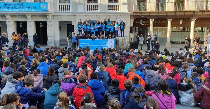 """Todavía no se sabe cuándo los niños de Castilla La Mancha tendran que volver al colegio : """"Trabajamos en diversos escenarios"""""""