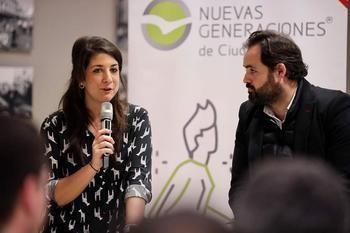 TREMENDO ENFADO : Maroto lamenta la nula confianza del PSOE de Page en los jóvenes de la región para asumir responsabilidades y pide a Maestre que se disculpe públicamente con ellos
