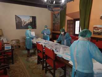 El Ayuntamiento comienza el reparto de guantes y mascarillas para todos los seguntinos