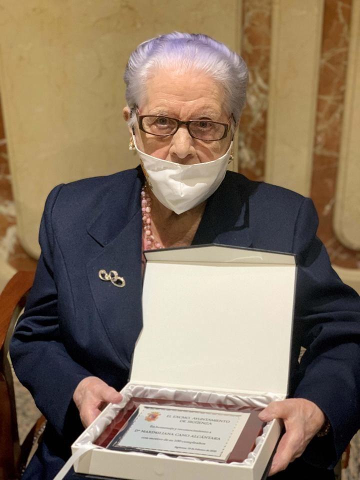 Sigüenza homenajea a los seis mayores que han llegado al siglo de vida en 2020