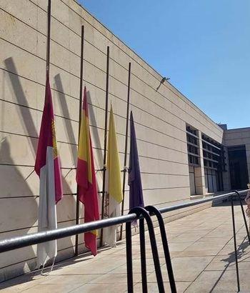 Banderas a media asta en el Obispado de Guadalajara por las víctimas de la pandemia del coronavirus