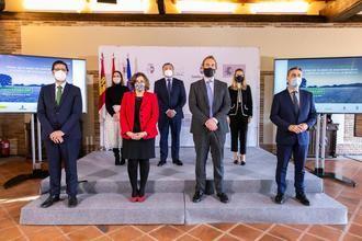 UN APLAUSO : Merino firma el convenio que da luz verde a la llegada del Plan de Sostenibilidad Turística para Sigüenza por valor de 1,4 millones de euros