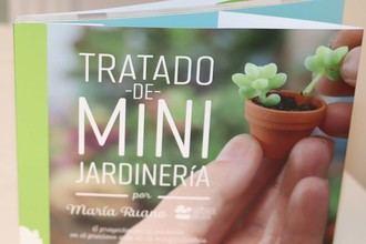 Lleno en la Biblioteca de Cabanillas para conocer el mundo de los jardines en miniatura