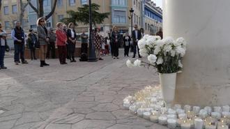 Alovera mantiene vivo el recuerdo del 11M con un minuto de silencio