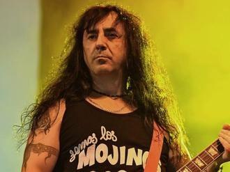 Muere el guitarra y miembro fundador de Mojinos Escozíos, Juan Ramón Artero