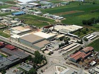 UN APLAUSO : Nestlé pagará un extra de 500 euros al mes a unos 2.500 empleados de la planta de Guadalajara y España