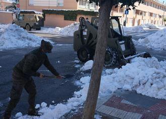 ATENCIÓN : El Ayuntamiento de Guadalajara pide a los vecinos su colaboración para que RETIREN sus vehículos para facilitar la retirada de nieve acumulada en calzadas y aceras (Vea AQUÍ las calles afectadas)