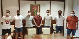 El alcalde expresa al Sporting Cabanillas el apoyo del Ayuntamiento, en el momento del relevo de directivas