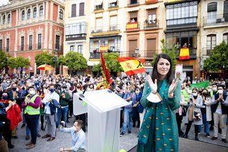 Macarena Olona participa en un acto público en Guadalajara el 31 de Mayo