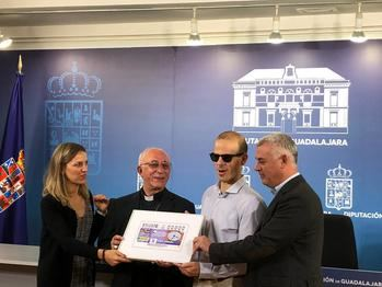 El Reloj de la Catedral de Sigüenza 'da la hora' en el cupón de la ONCE