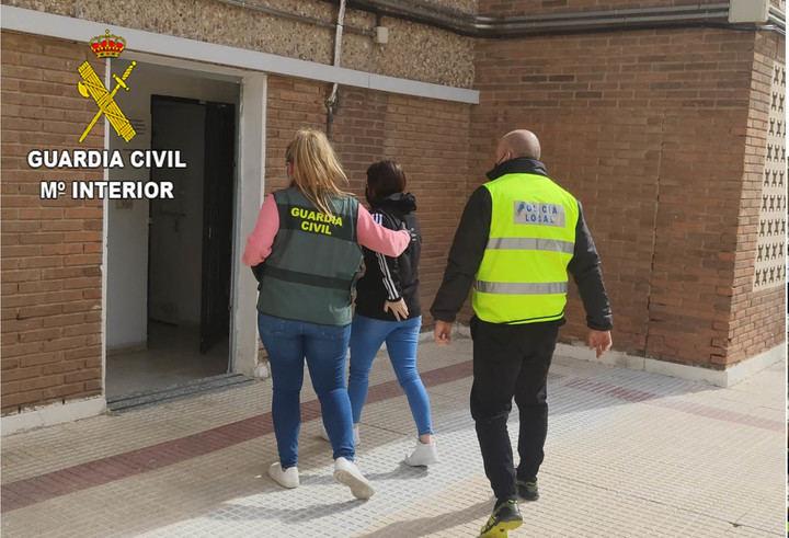"""La Guardia Civil de Guadalajara desarticula un grupo criminal formado por la banda latina """"Forty Two"""" que inducía a los menores captados a abandonar su domicilio familiar"""