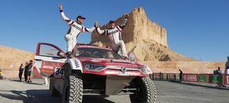 Óscar Fuertes y Diego Vallejo terminan el mejor Dakar de la historia de SsangYong Motorsport