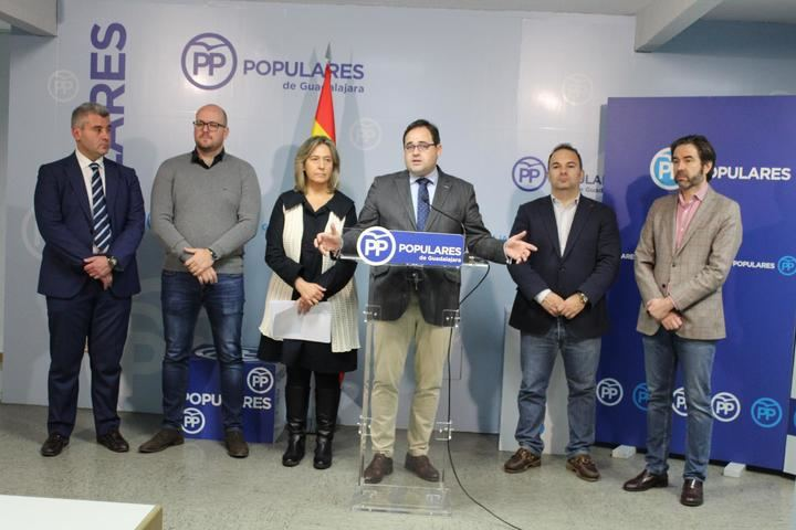 Paco Núñez critica en Guadalajara que Page blanquee con su voto en las Cortes Regionales la negociación del PSOE con ERC y después vaya a los medios nacionales a decir que nada sabe del asunto