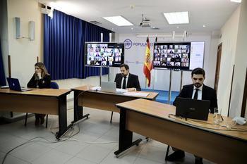 """El presidente del PP-CLM señala que los medios han ofrecido información para que el ciudadano """"de manera libre, pueda decidir en cada momento qué camino seguir"""""""