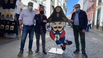 """El presidente de CLM en la prensa nacional : """"Page disfruta UN FIN DE SEMANA DE TURISMO en Canarias mientras mantiene CERRADA Castilla-La Mancha"""""""