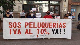 Preguntan al PSOE qué le pasa con el sector de la imagen personal tras conocerse que el Gobierno de Sánchez VETARÁ la bajada del IVA