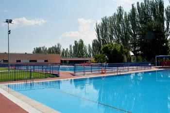 Imagen de archivo de la piscina de verano ubicada en el complejo San Miguel. Fotografía: Ayuntamiento de Azuqueca