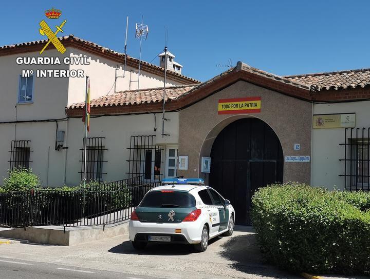 La Guardia Civil detiene a cuatro menores por robar y agredir a la repartidora de una pizzería de Argés