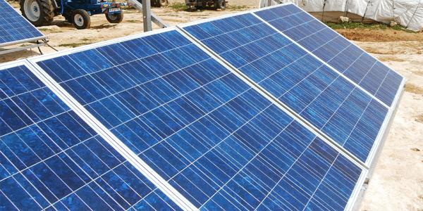 AVALANCHA de placas solares en el campo de Castilla La Mancha