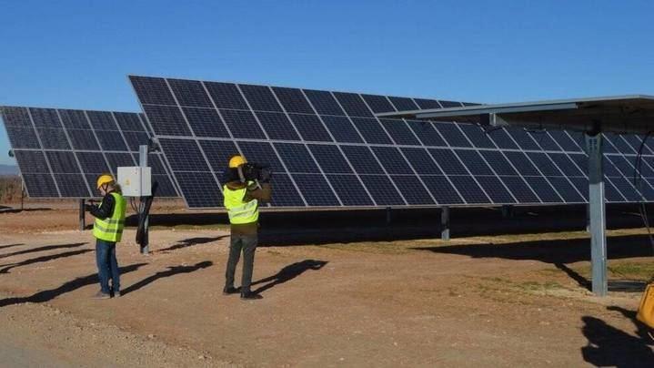 Castilla La Mancha ultima la tramitación para ejecutar 8 nuevas plantas (ninguna en Guadalalajara) de ENERGÍAS RENOVABLES, con una inversión de 110 millones de euros
