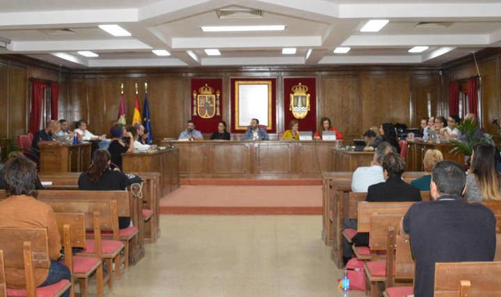 El Equipo de Gobierno del Ayuntamiento de Azuqueca plantea al Pleno una bajada de impuestos del 0,4 por ciento y el descuento en el de Vehículos de los meses del estado de Alarma