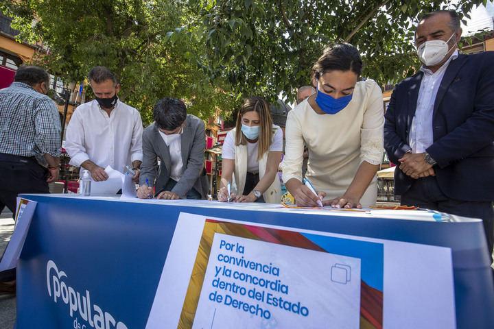 """El PP anima a todos los castellano-manchegos a que acudan a firmar a las mesas que ha instalado el partido para """"decir alto y claro NO a los indultos"""" y """"Sí a favor de la Constitución y de la justicia"""""""