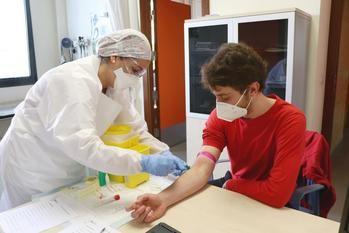 NUEVO REPUNTE DE CONTAGIOS EN CLM : De los 686 nuevos casos positivos de coronavirus detectados este viernes por PCR, 111 son de Guadalajara