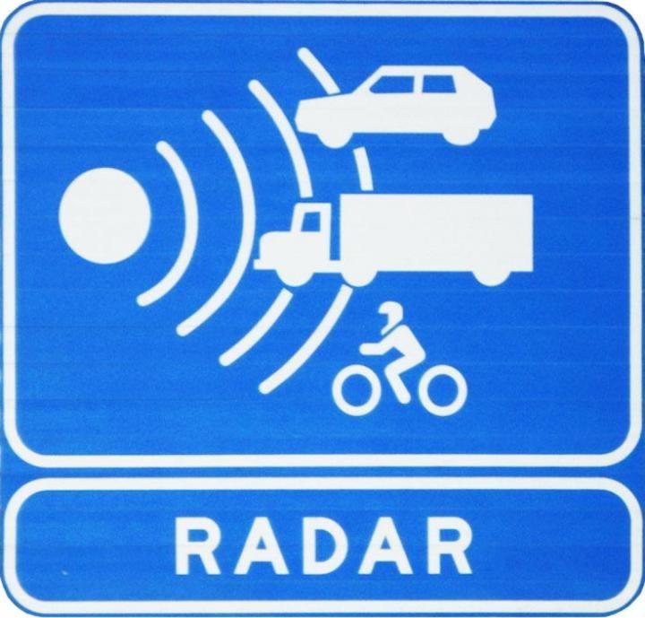 Se van a instalar radares de control de velocidad en las calles de Quer