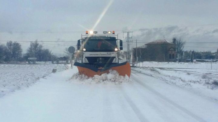 CUATRO carreteras provinciales de Guadalajara siguen cortadasy en otras DOS son obligatorias las cadenas